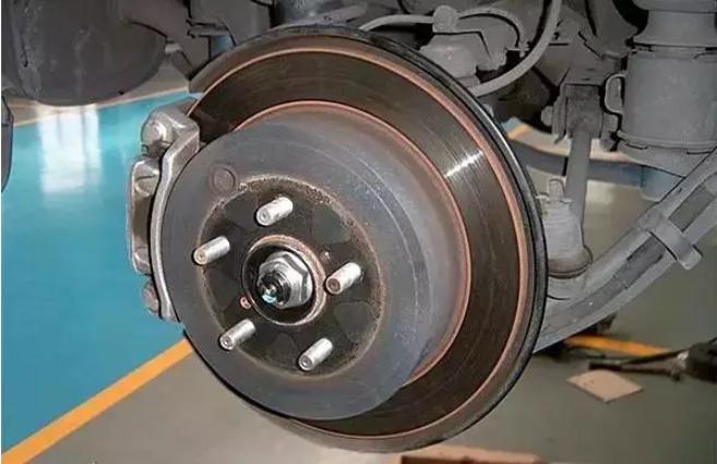 """老司机来教你怎样判断""""刹车片""""该不该换?"""
