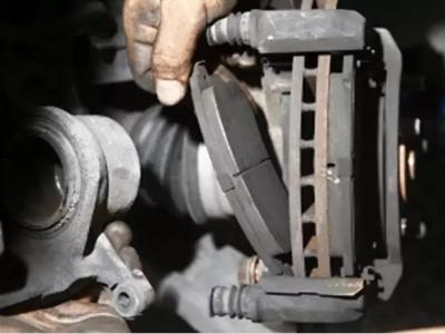 如何磨合新的刹车片?